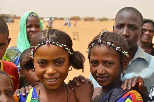 Unterernährten Kindern helfen - Help unterstützt Flüchtlinge in Niger
