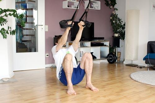 Sling Trainer Übungen Rudern aus der Hocke