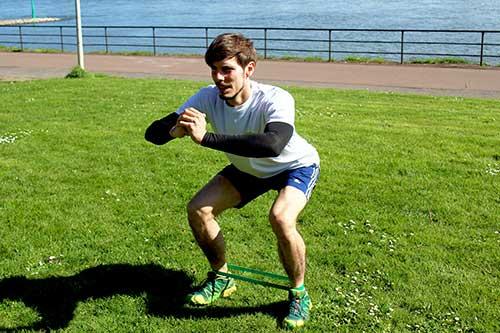Minibands Übungen - Kniebeuge