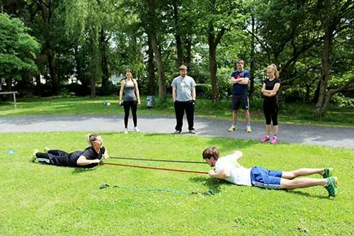 Outdoor Fitness - Einblicke Rückencamp Gruppentraining Köln, Bonn, Rhein Sieg Kreis