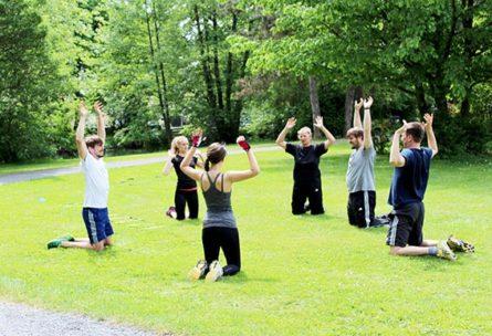 Einblicke in unser Rückencamp Outdoor Zirkeltraining