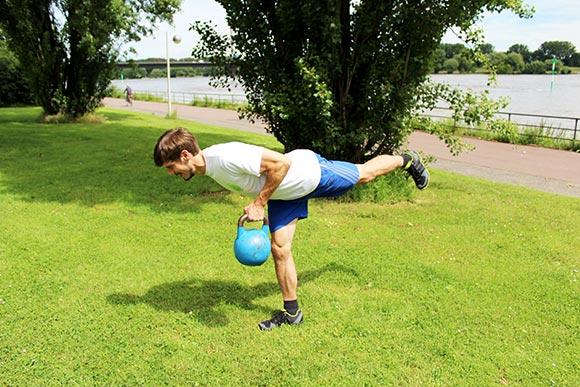 6 Kettlebell Übungen für einen starken Rücken
