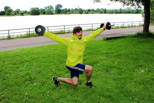 kurzhanteltraining-arme-seitheben-2