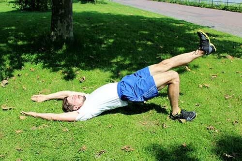 Bodyweight Übungen - Schulterbrücke