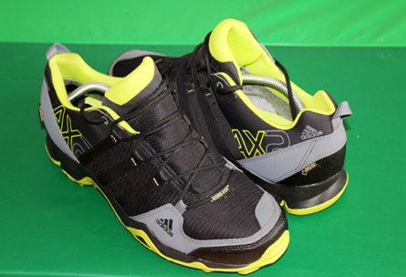 Trailrunningschuhe Test Adidas AX2 GTX und Salomon Speedcross 3 GTX
