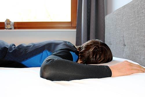 Rückenschonend schlafen - Bauchschläfer