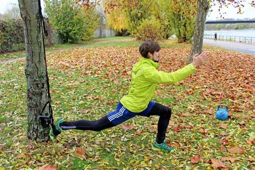 Einbeinige Übungen: Der Sprinter + einbeinigem Sprung mit einem Sling Trainer